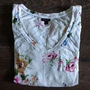 🌸TORRID V-neck floral Tee shirt top nwot size 1